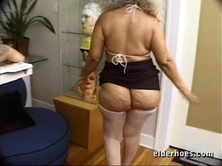 Mature MILF Granny in kinky hardcore sex action