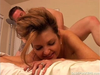 Saucy oldspunker enjoys a sticky facial cumshot